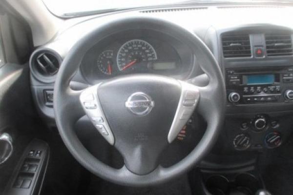 Nissan Versa SENCE 1.6 año 2016