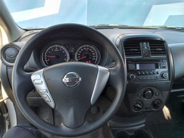 Nissan Versa SENSE 1.6 año 2019