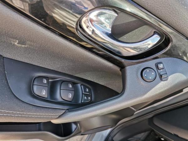 Nissan Versa MT 1.6 año 2020