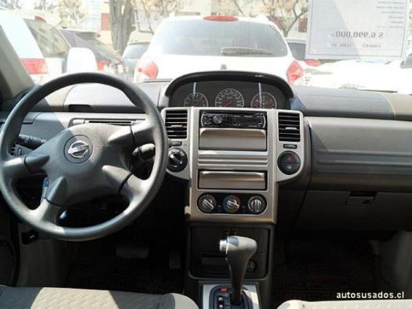 Nissan X Trail S 4X4 2.5 año 2011