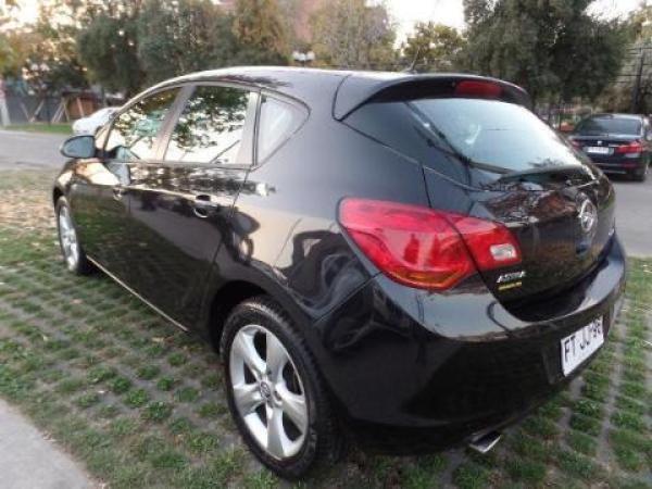 Opel Astra  año 2013