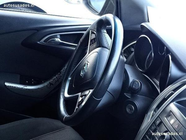 Opel Astra HB año 2013