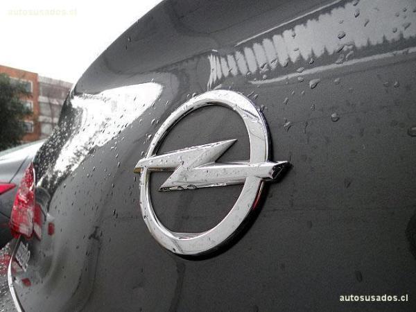 Opel Astra GTC ENJOY año 2013