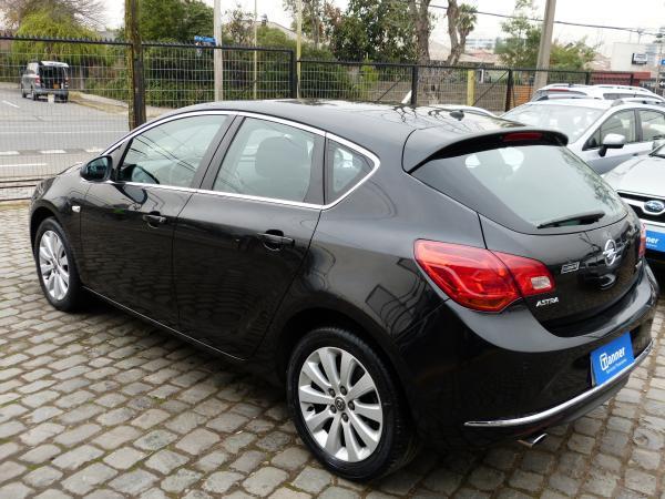 Opel Astra ENJOY 1.6 TURBO año 2014