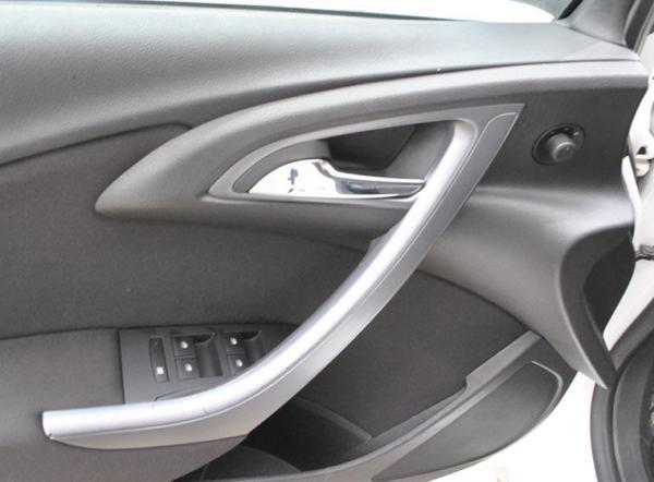 Opel Astra II ENJOY HB AT AC año 2014