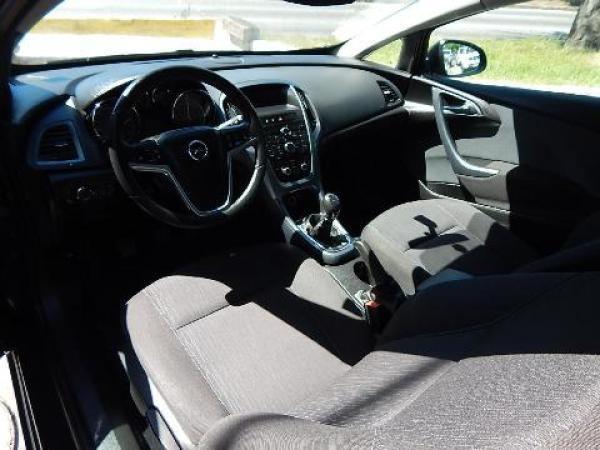 Opel Astra  año 2014