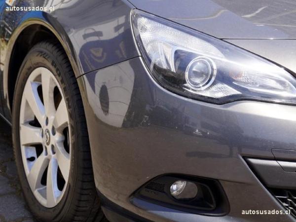 Opel Astra  año 2015