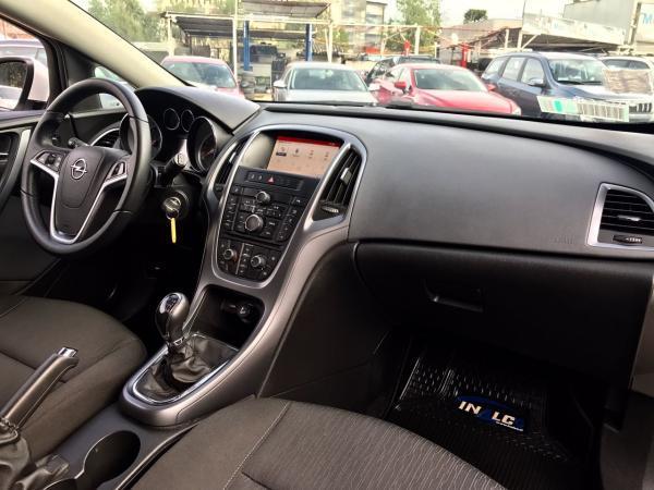 Opel Astra 1.6 TURBO GTC ENJOY año 2015