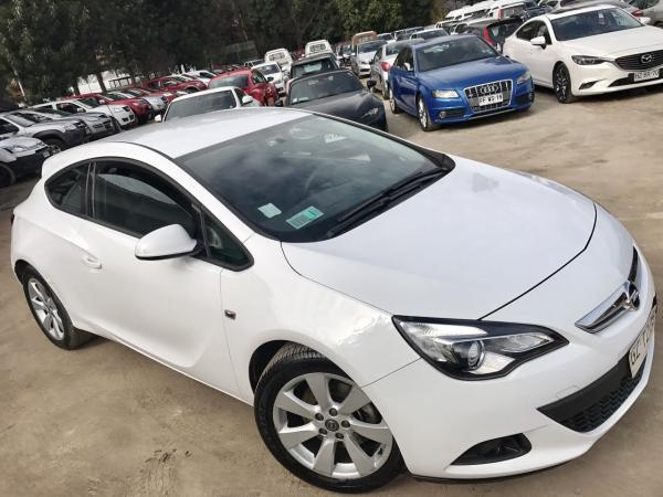 Opel Astra 1.6 TURBO GTC ENJOY año 2015