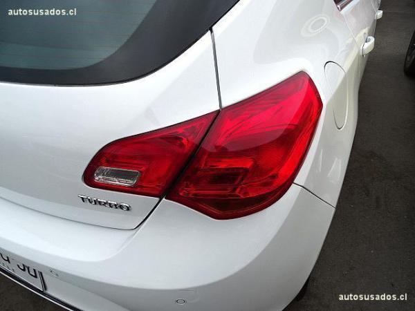 Opel Astra 1.6 año 2015