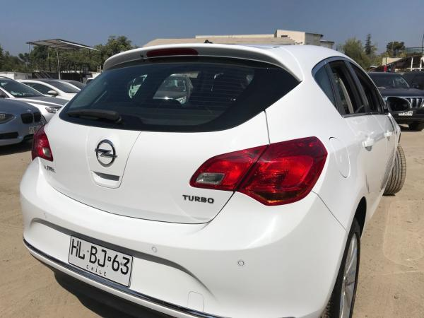 Opel Astra 1.4 TURBO ENJOY año 2016