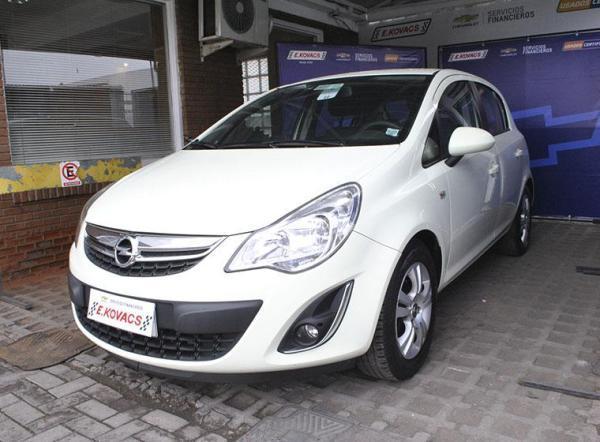 Opel Corsa ENYOY año 2013