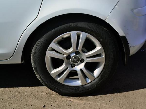 Opel Corsa ENJOY año 2014