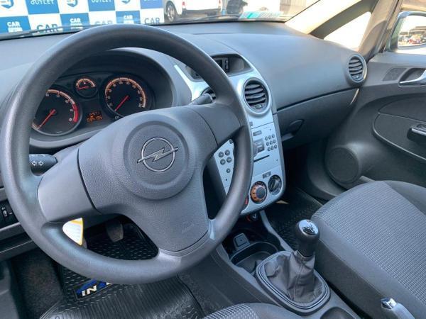 Opel Corsa 1.4 ESSENTIA MT año 2015