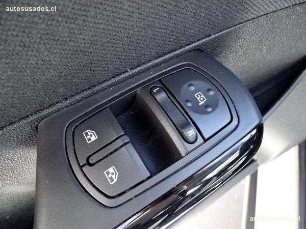Opel Corsa HB año 2015