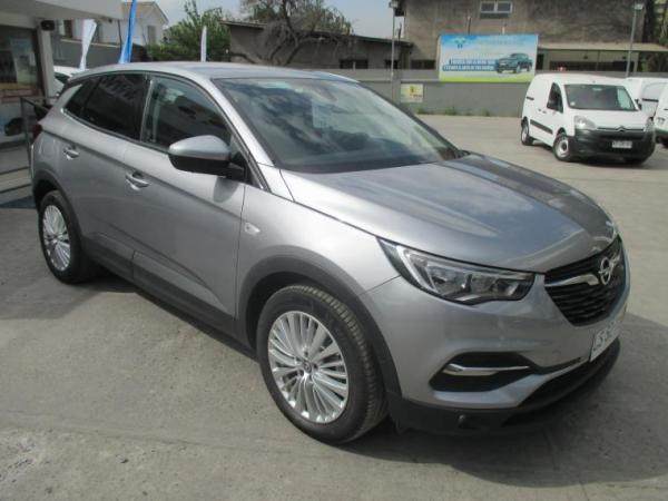 Opel Grandland X DYNAMIC 1.6T AT6 año 2020