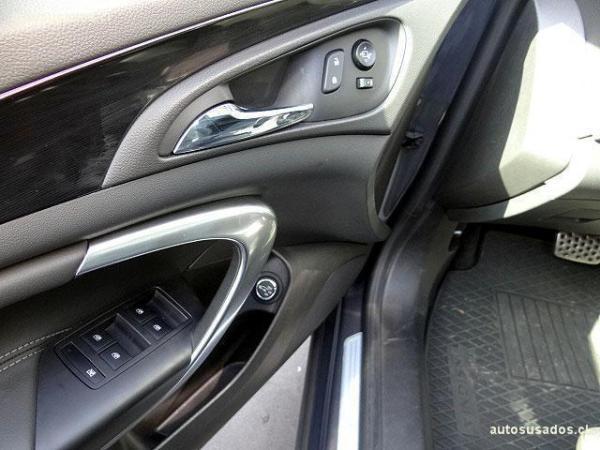 Opel Insignia COSMO ST 2.0T AWD año 2015