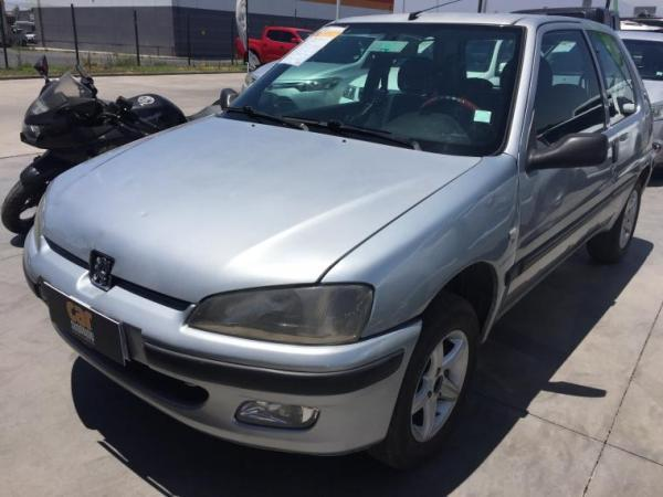 Peugeot 106 1.0 MT año 2003