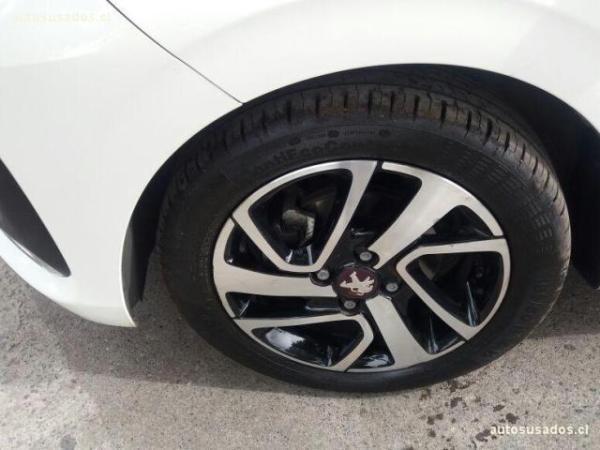 Peugeot 108 108 Active 1.2 Puretech 8 año 2016