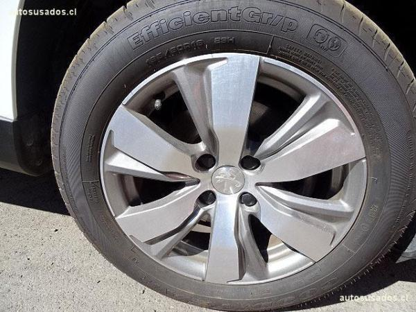 Peugeot 2008 ALLURE 1.2 año 2016