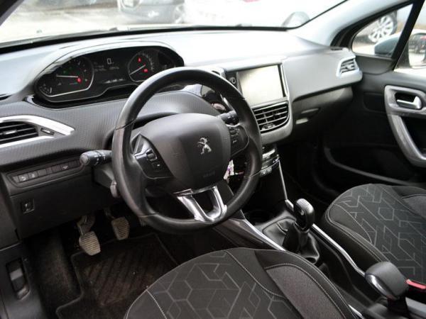Peugeot 2008 ACTIVE BLUEHDI 1.6 año 2017