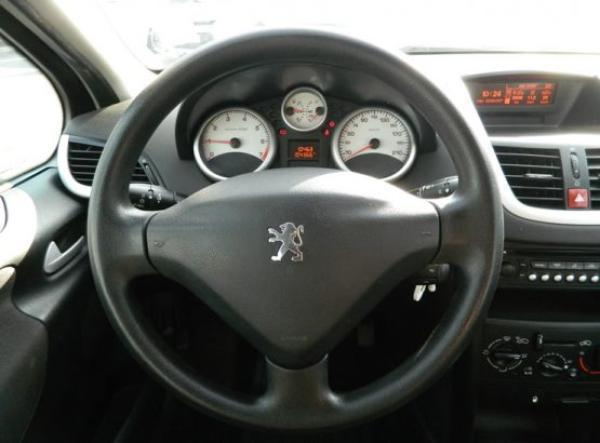 Peugeot 207 TRENDY año 2008