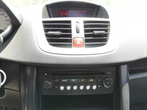 Peugeot 207 PREMIUM X LINE 1.4 año 2011