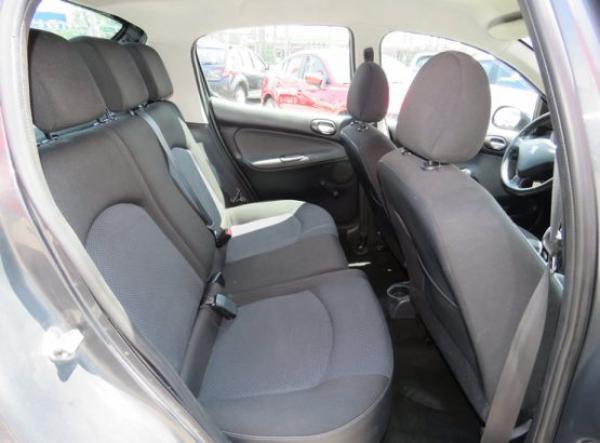 Peugeot 207 COMPACT año 2012