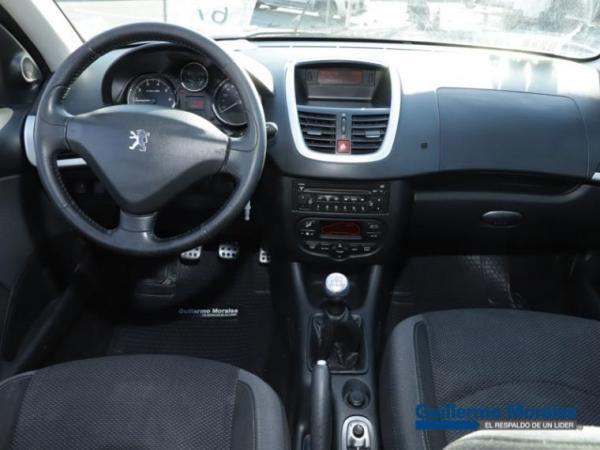 Peugeot 207  año 2012