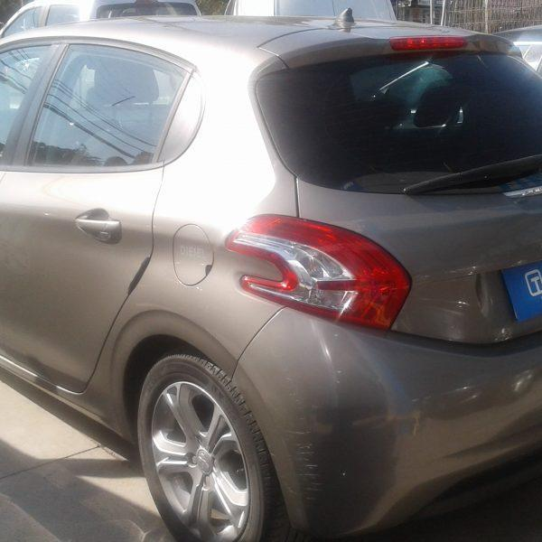 Peugeot 208 1.4 HDI 68 HP Active año 2014