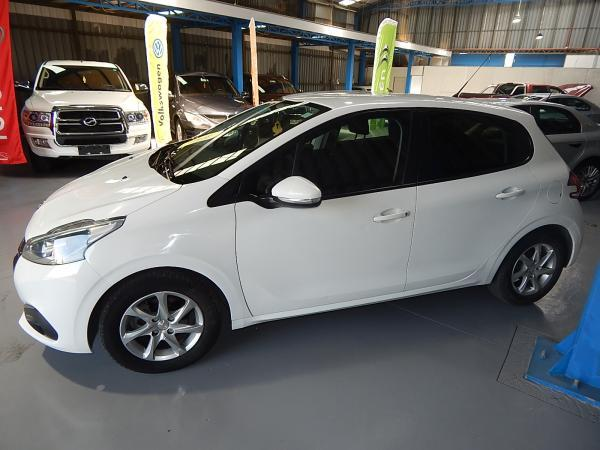 Peugeot 208 ACTIVE 1.2 año 2016