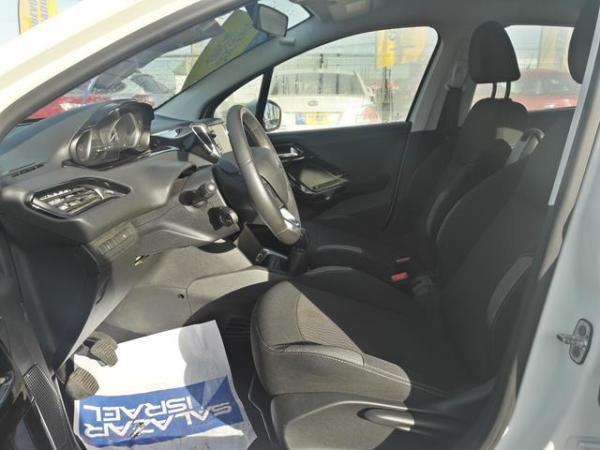 Peugeot 208 208 Active 1.2 Puretech 8 año 2016