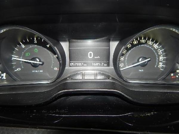 Peugeot 208  año 2016