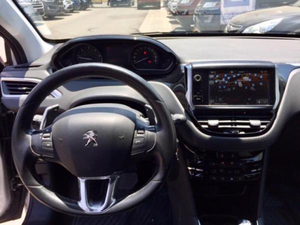 Peugeot 208 ALLURE 1.6 HDI año 2017
