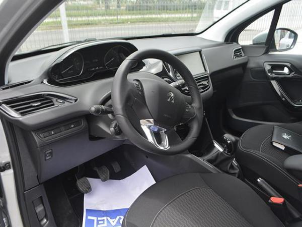 Peugeot 208 208 Active Puretech 1.2 año 2018