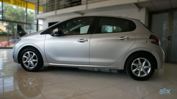 Peugeot 208 208 ACTIVE BLUE HDI 1.6 año 2018