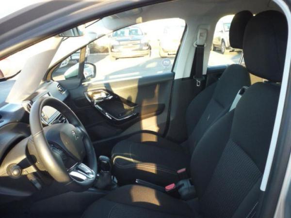 Peugeot 208 208 ACTIVE 1.2 año 2018