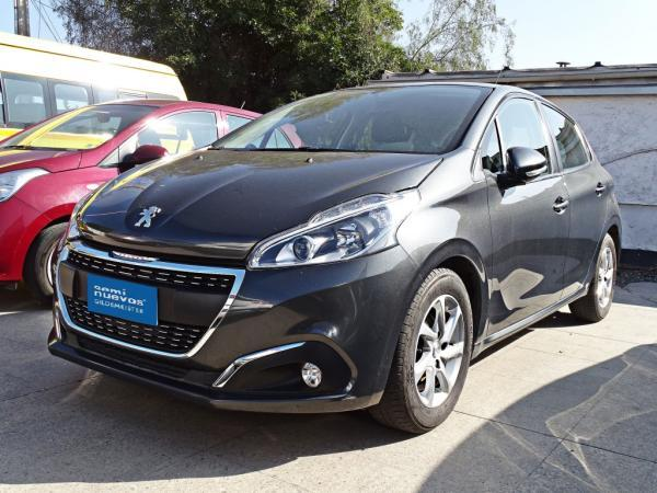 Peugeot 208 ACTIVE BLUEHDI 100HP año 2018
