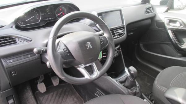 Peugeot 208 ACTIVE HDI 1.6 año 2019