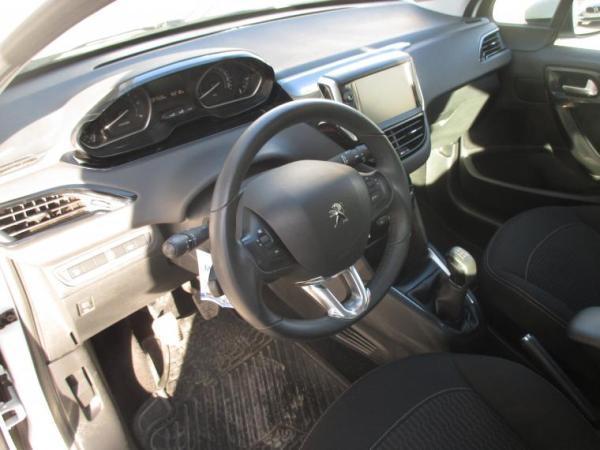 Peugeot 208 ACTIVE 1.6 año 2019