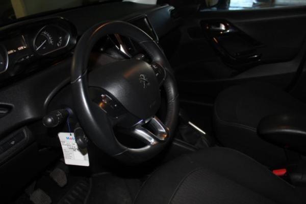 Peugeot 208 ACTIVE 1.6 BLUE año 2019