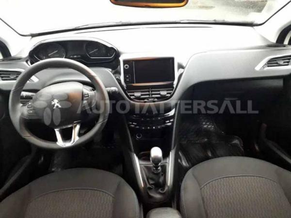 Peugeot 208 SIGNATURE 1.5 BLUE HDI año 2020