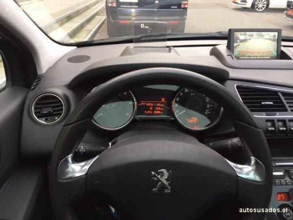 Peugeot 3008 ALLURE BLUE HDI 1.6 año 2016