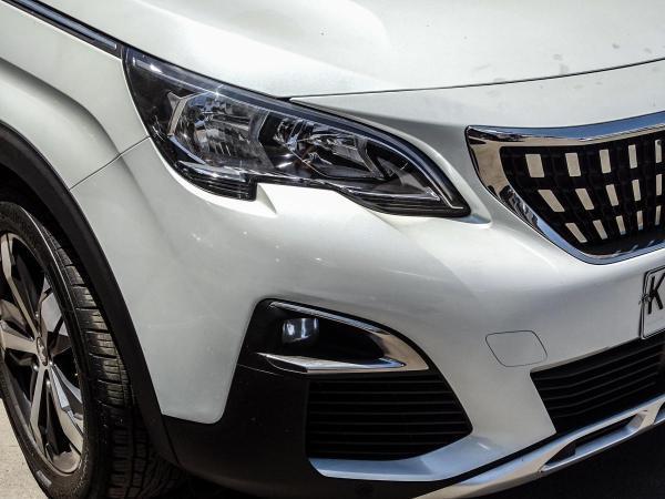 Peugeot 3008 ALLURE 1.6 año 2018