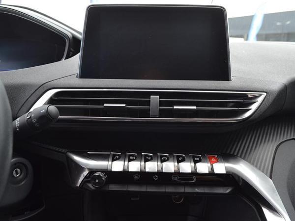 Peugeot 3008 3008 ACTIVE BLUEHDI 120 año 2018
