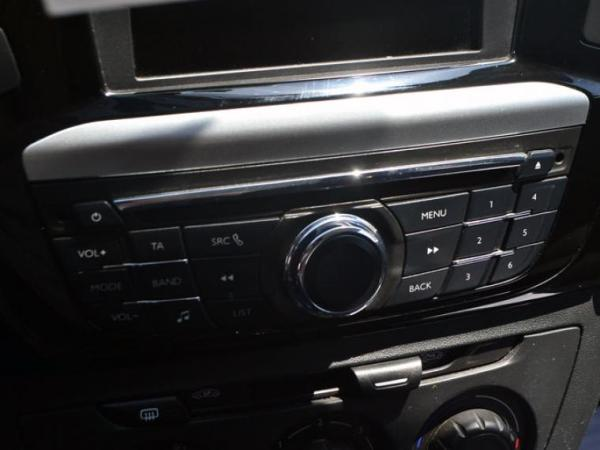 Peugeot 301 301 Active 1.6 VTi 115 HP año 2016