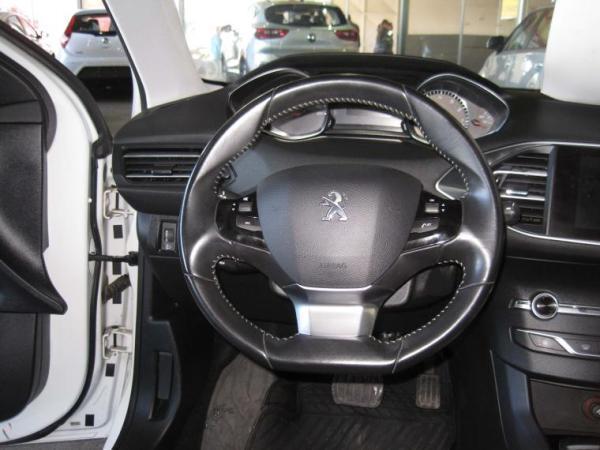 Peugeot 308 308 Allure 1.2 At año 2015
