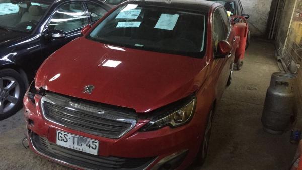 Peugeot 308 CHOCADOFUNCIONANDO año 2015