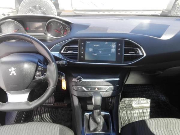 Peugeot 308 ALLURE 1.2 año 2015