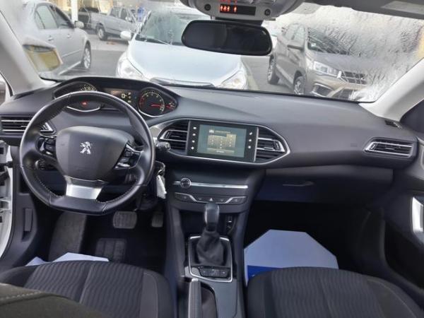 Peugeot 308 308 Allure 1.2 Puretech 1 año 2016